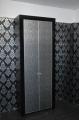 Шкаф с распашными дверьми с кожей